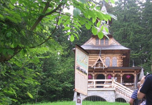 turystyka-atrakcje, Jaszczurówka, Kaplica Najświętszego Serca Jezusa w Jaszczurówce, Tatry, Polska
